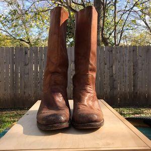 Vintage Men's FRYE campus tan distressed boots 10